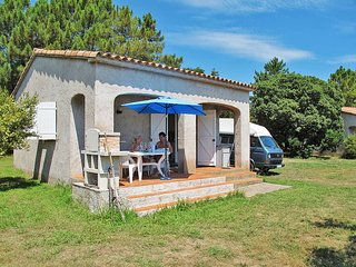 2 bedroom Villa in Sari-Solenzara, Corsica, France : ref 5440114
