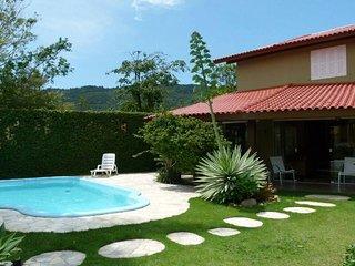 Casa ampla com Piscina - Barra da Lagoa