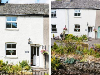 LAVENDER COTTAGE, pretty terraced cottage, romantic retreat, close to village am