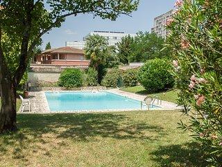 Le Rive Gauche, Bel Appartement, accès Piscine et Terrain de Tennis
