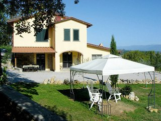 4 bedroom Apartment in Badia Agnano, Tuscany, Italy : ref 5446259