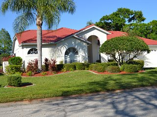 House in Florida Bradenton, 4 Bedroom sleeps 8 persons, Private Heated pool