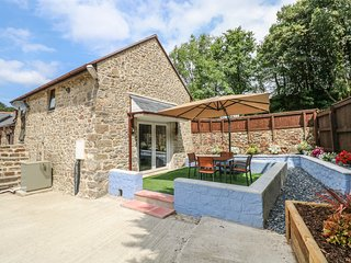 THE OLD BARN, exposed wooden beams, open-plan living, Narberth 2.5 miles, Ref