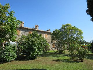 2 bedroom Apartment in Canale Vecchio, Umbria, Italy : ref 5447871