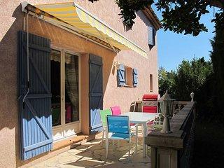 3 bedroom Villa in Bagnols-en-Forêt, Provence-Alpes-Côte d'Azur, France : ref 54