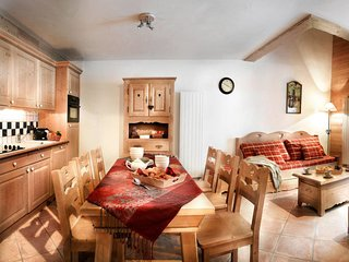 4 bedroom Apartment in Montalbert, Auvergne-Rhone-Alpes, France : ref 5657028