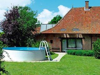 3 bedroom Villa in La Chapelle-Saint-Sauveur, Bourgogne-Franche-Comté, France :