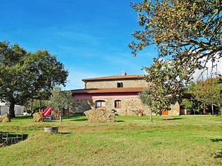 2 bedroom Apartment in Dogana, Tuscany, Italy : ref 5447031