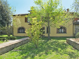 3 bedroom Villa in Civitella in Val di Chiana, Tuscany, Italy : ref 5446307