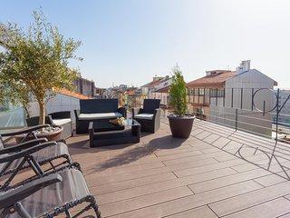 "URBAN VIEWS Terrace - NEW Duplex Apartment ""LUIS I' Amazing ROOFTOP TERRACE"