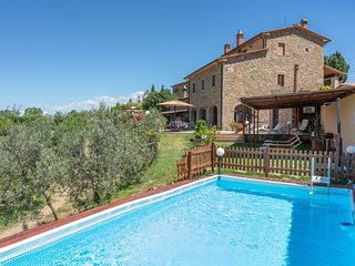 5 bedroom Villa in Civitella in Val di Chiana, Tuscany, Italy : ref 5226703