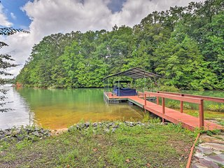 NEW! Spacious Seneca Home w/Private Dock & Kayak!