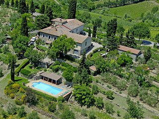 Castellina in Chianti Holiday Home Sleeps 8 with Pool and WiFi - 5226707