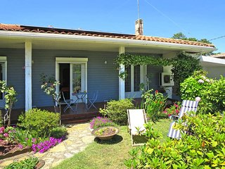 2 bedroom Villa in Andernos-les-Bains, Nouvelle-Aquitaine, France : ref 5434785