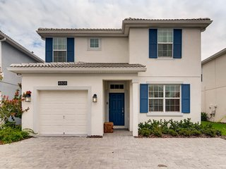 5Bd Storey Lake House (4808) - Disney