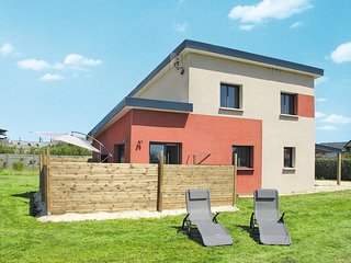 3 bedroom Villa in Cleder, Brittany, France : ref 5438074