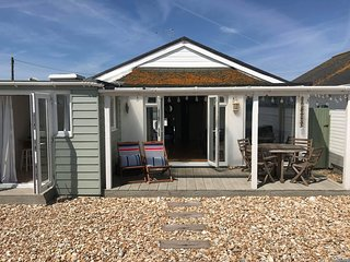 Driftwood Beach House, Pagham - perfect UK South Coast beachfront holiday rental
