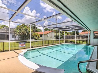 Charming Coconut Creek House w/Private Pool, Lanai