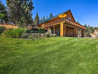 NEW! Bend Home w/ Balcony Views on Racehorse Farm!