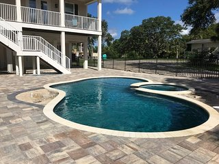 *NEW!*  Seabreeze...Yes Plz! Brand New Pool! 4 Bdrm Sleeps 10+