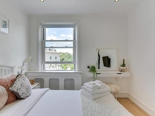 Amazing 2 Bed, 2 Bath apt next to Regent's Park