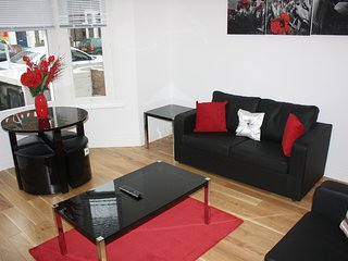 Cozy apartment in London with Internet, Washing machine, Garden, Terrace
