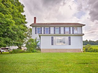 Mount Perry Home on Working Farm w/Tours & Pond!