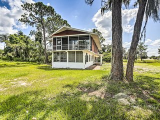 NEW! Lake Placid Home w/Paddle Board & Beach Toys!