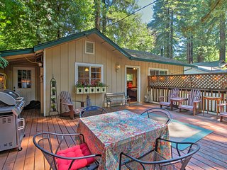 Guerneville Cabin 2 Mi to Armstrong Redwoods!
