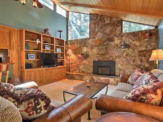 West Lake Tahoe Home w/Deck - Mins to Ski & Lake!