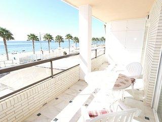 LH1A, Coqueto apartamento en primera linea de playa