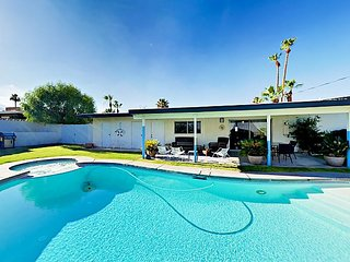 Pool & Spa w/ Mountain Views! Mid-Century 2BR Cathedral Canyon Cove