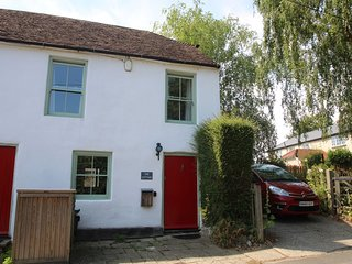 The Cottage - Beautiful  2 bed chocolate box Cottage in idyllic village