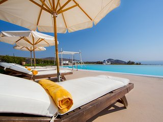 Black Rock Villa - 5 Bedroom Villa in Santorini - Book Now