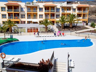 Lovely apartment, sea view, with swimming pool, 5 minutes from the beach