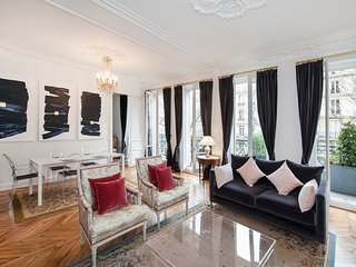 Beautiful 2BD in the heart of the Latin Quarter near the Luxembourg Garden