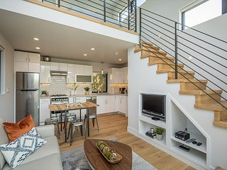 Modern Luxury W/Pool, Walk to Bart or Caltrain