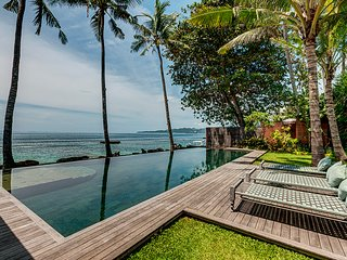Stunning and exclusive Beachfront villa