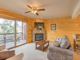 NEW! Grand Lake Condo w/ Mtn. Views-Walk to Water!