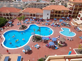 Los Cristianos | 2 bedroom | sleeps 4 | Dinastia | Top Location!