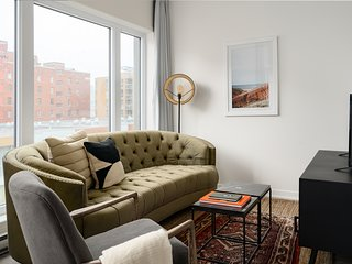 Central 1BR in Quartier des Spectacles by Sonder