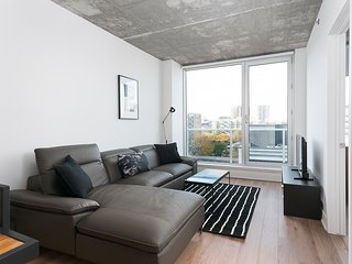Sonder | Place des Arts | Charming 1BR + Balcony