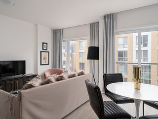 Dashing 1BR in Quartier des Spectacles by Sonder