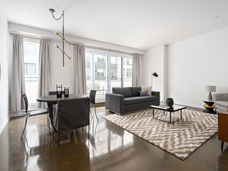Airy 1BR in Old Montreal by Sonder