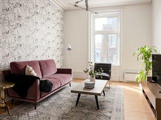 Sonder | Drolet Flats | Warm 3BR + Balcony