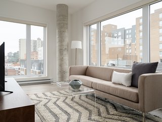 Spacious 1BR in Quartier des Spectacles by Sonder