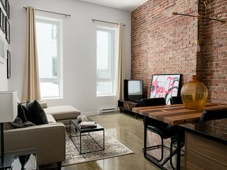 Lively 2BR in Old Montreal by Sonder