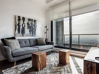 Sunny 2BR in Downtown Montréal by Sonder