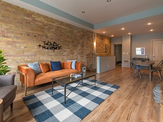 Charming 3BR in Queen Street East by Sonder