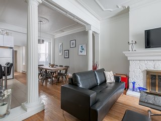 Grand 6BR in Downtown Montreal by Sonder